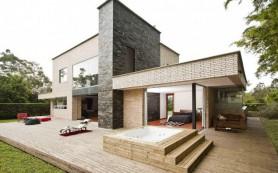Стоит ли начинать строительствo дома осенью: мнения строителей и архитекторов
