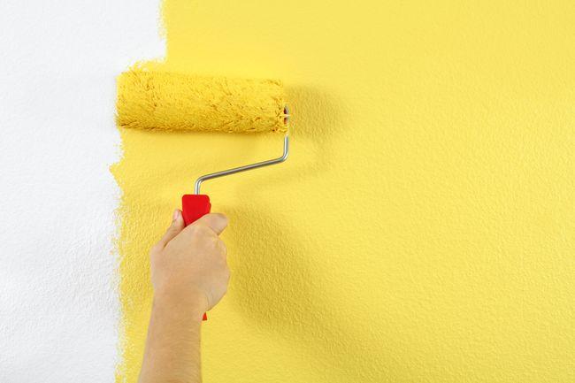 Выполняем грунтовку стен своими руками