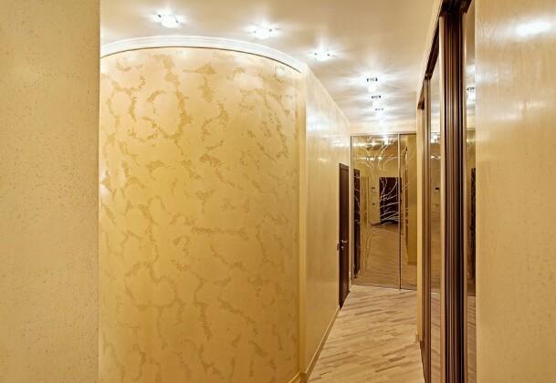 Дизайнерские решения для узкого коридора