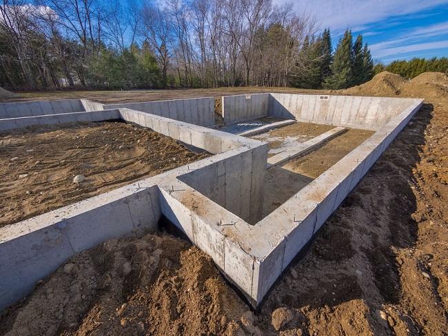 Строим загородный дом — виды фундаментов