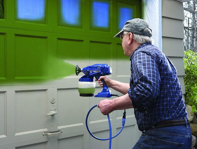 Особенности покраски деревянных домов