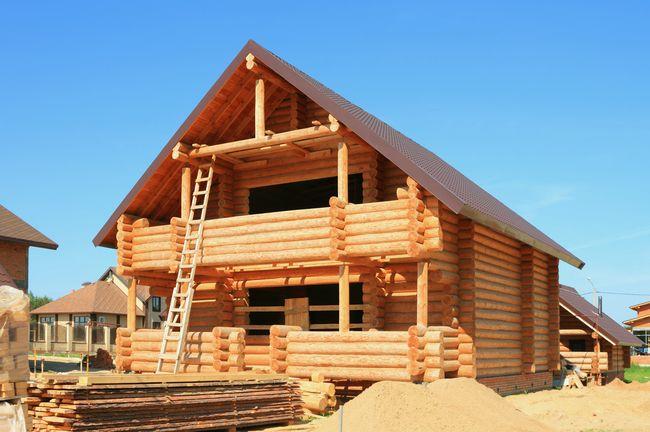 Строим загородный дом: технология устройства ленточного фундамента