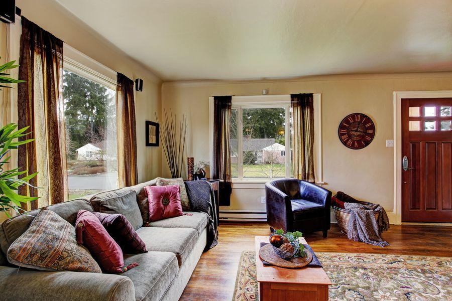 Секреты оформления гостиной в загородном доме
