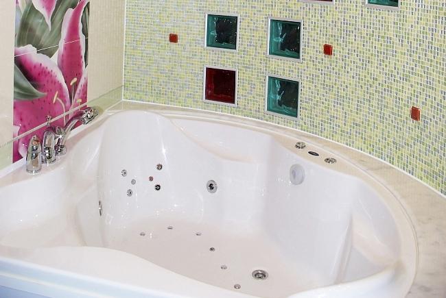 Герметизация шва вокруг ванной