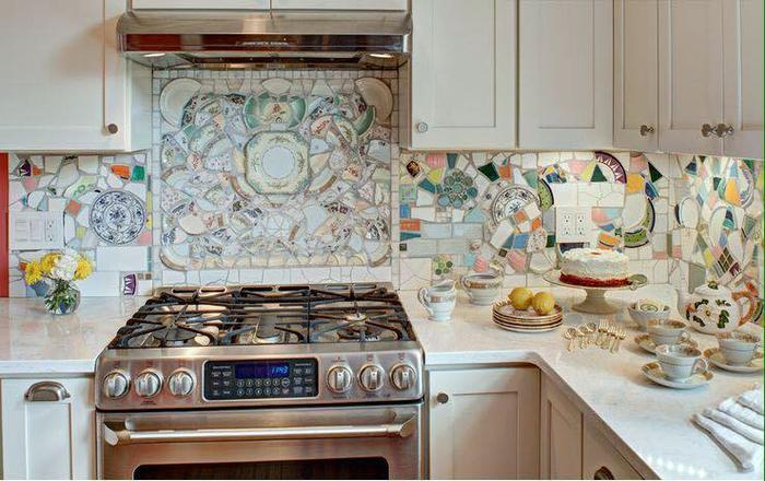 Необычные кухонные фартуки: советует дизайнер