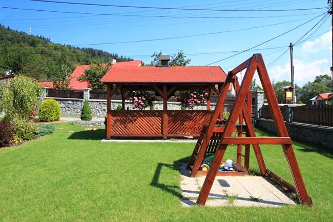 Садовые качели на даче своими руками