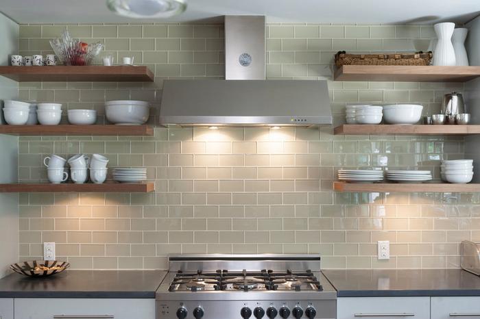 Буфет или открытые полки: что лучше для кухни?