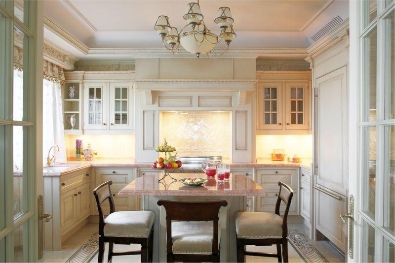 Как оформить 17-метровую кухню?