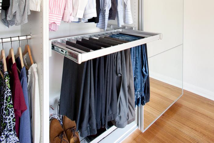 Как правильно хранить в гардеробе теплые вещи