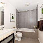 Ревизионный люк в экране под ванной: инструкция по монтажу своими руками