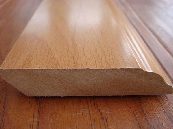 Напольное покрытие с имитацией дерева или деревянный пол?