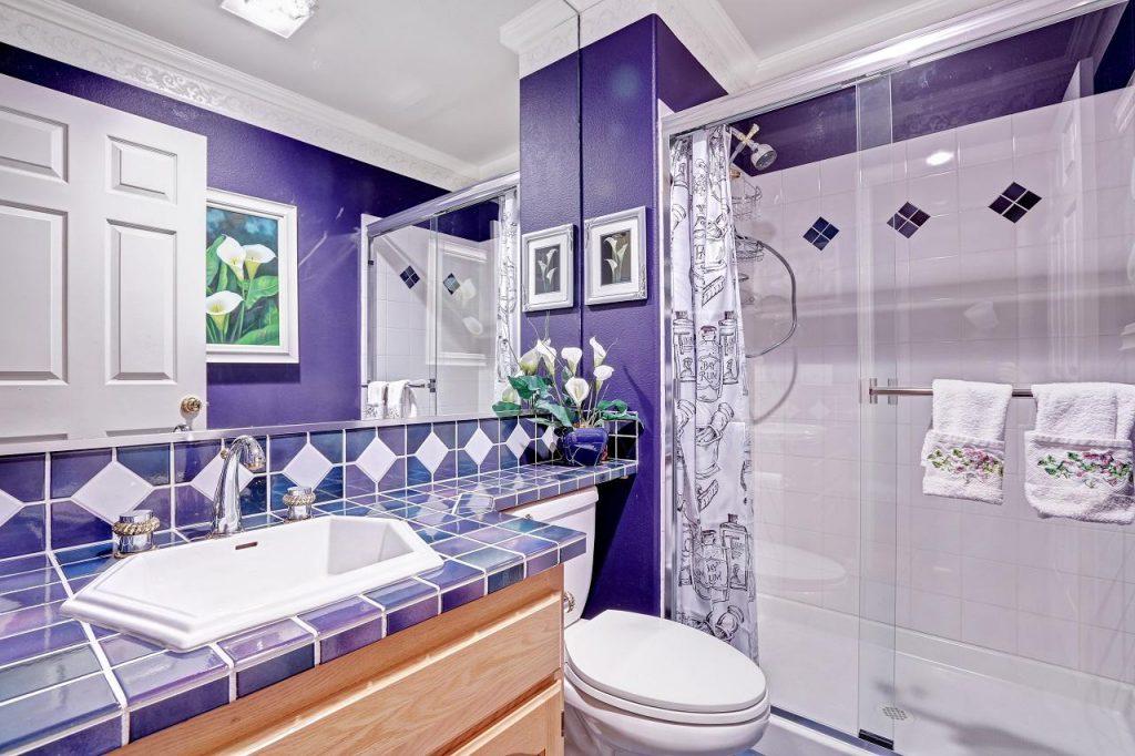Как выбрать плитку для ванной по цвету, фактуре и формату