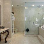 Как сделать недорогой ремонт в ванной комнате: полезные советы