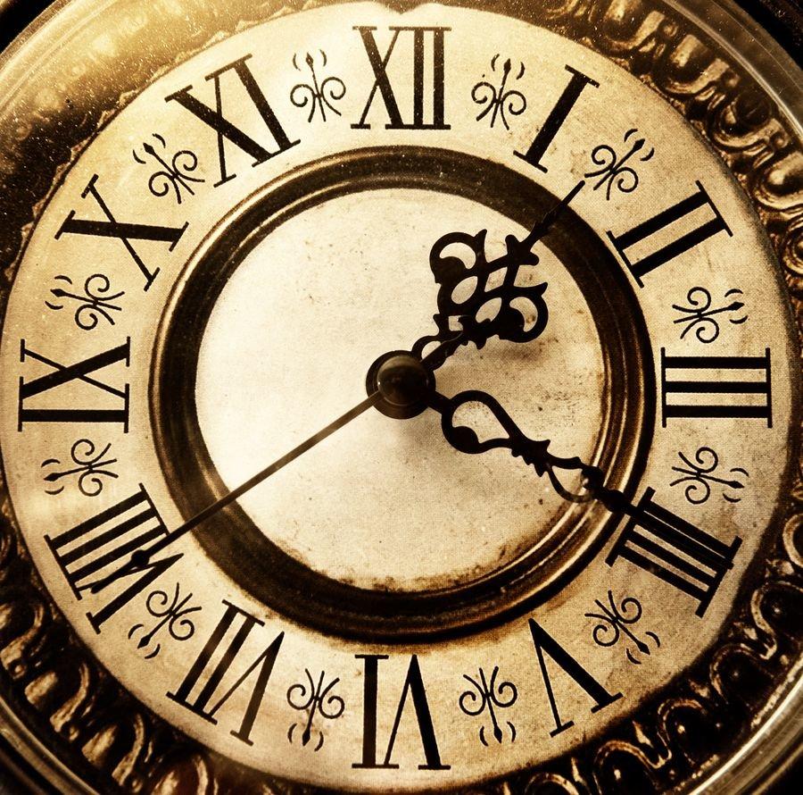 Часы как декоративный элемент интерьера