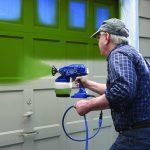 Покраска деревянного дома: пошаговая инструкция