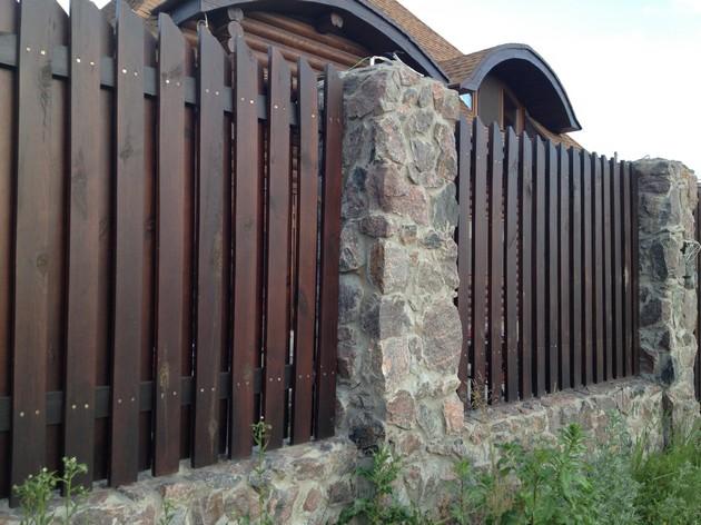 Как правильно подобрать забор
