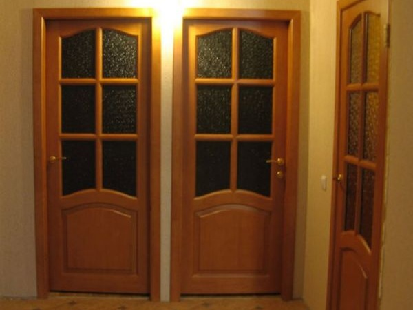 Филенчатые двери — виды и особенности