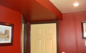 Самостоятельно красим стены и потолок