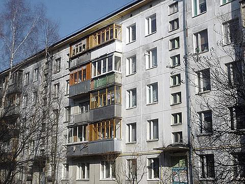 Балконы и лоджии: остеклять или оставить открытыми?