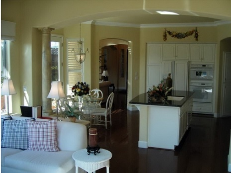 Кухня + гостиная = простор и комфорт