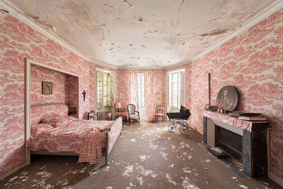 Самые загадочные заброшенные здания со всего мира