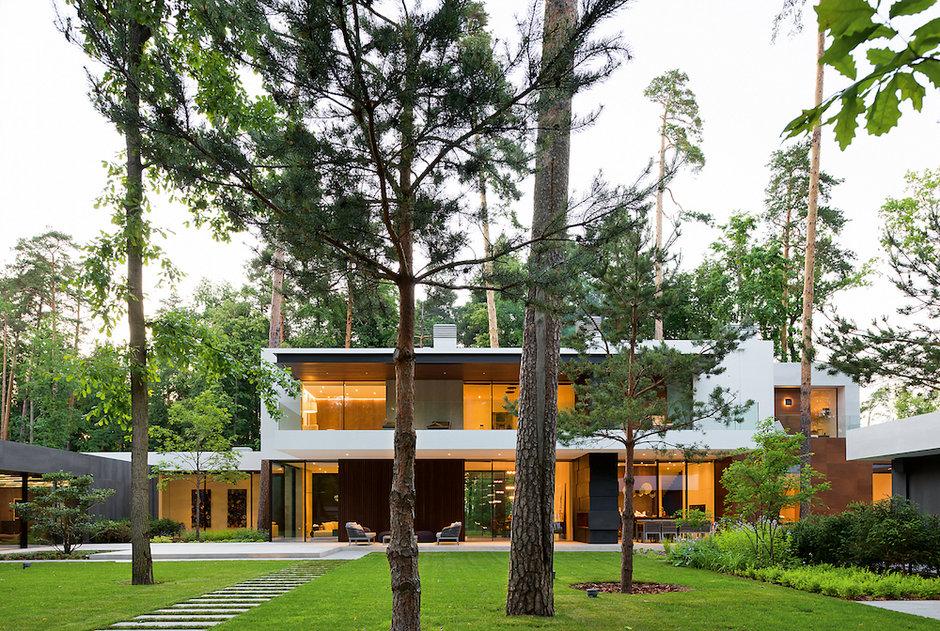 Подмосковный дом в духе современной западной архитектуры