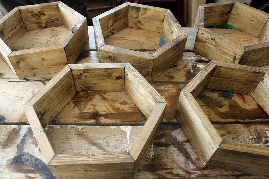 10 дизайнерских стеллажей и полок, которые легко сделать своими руками