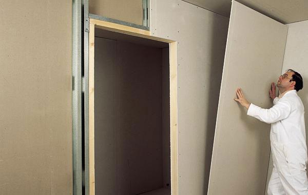 Выравнять стены поможет гипсокартон