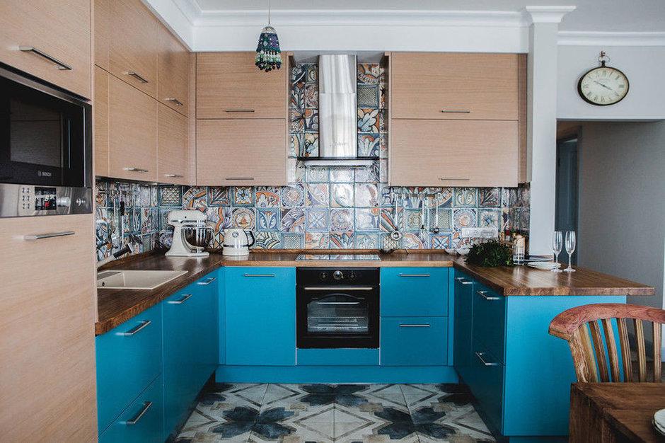 Узорная плитка в интерьере: кухня и гостиная