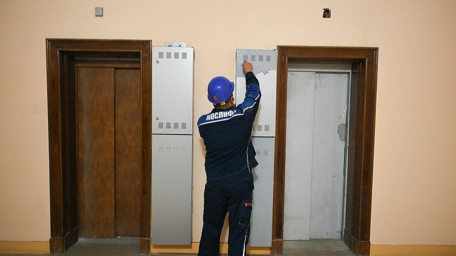 Подъемная задача: смогут ли в России заменить ветхие лифты