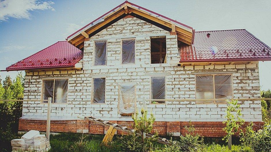 Закатать деньги в бетон. На чем можно экономить при строительстве дома?