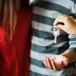 Квартиранты — аферисты. Как сдать жилье, чтобы не остаться без него?