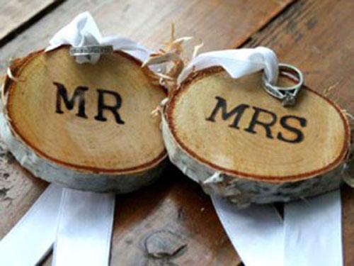 Деревянная свадьба. Что подарить молодым?