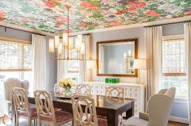 Не белые потолки: 6 вариантов, как и из чего их сделать