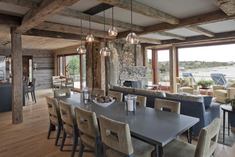 Дерево и камень — идеальное сочетание для дома