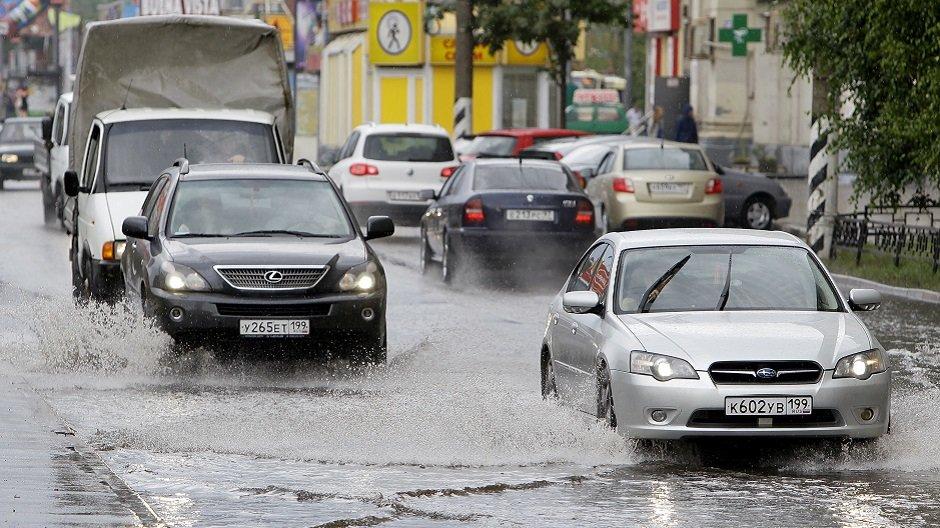 Как город борется с подтоплениями во время дождей?