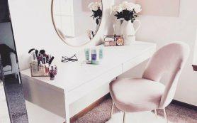 9 вещей, которые вам понадобятся для создания «женского уголка» в спальне