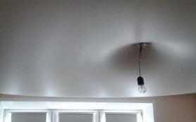 Эксперты рассказали, почему иногда провисают натяжные потолки и как это исправить