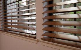 Деревянные жалюзи — стильное оформление окон