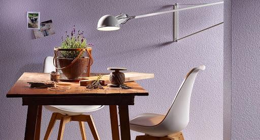Обои под покраску в интерьере квартиры, преимущества и способы покраски