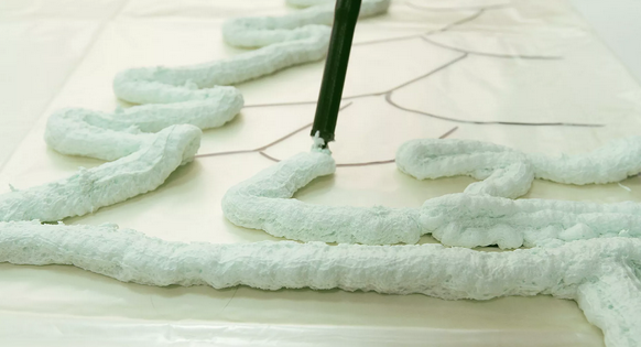 Напшикай себе праздник: как своими руками сделать елку из монтажной пены