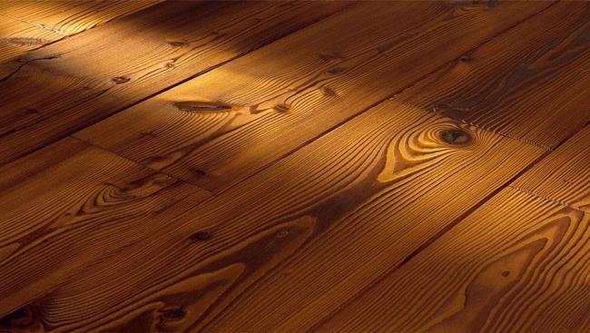 Особенности, плюсы и минусы полов из древесины лиственницы