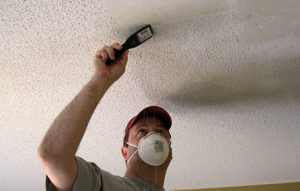 Как очистить потолок от старой краски?