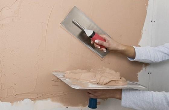 Как нанести фактурную (декоративную) штукатурку на стену