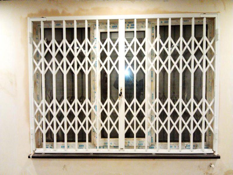 Материал и конструкция раздвижных решеток на окнах