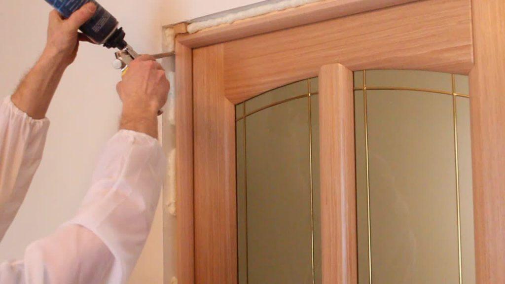 Установка межкомнатных дверей самостоятельно, возможно ли?