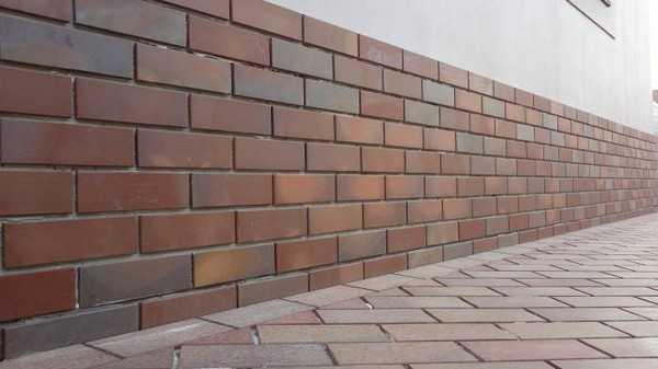 Плитка для фундамента дома — украшаем подножие дома практично