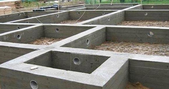 Нужно залить фундамент самостоятельно?