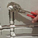 Как спрятать трубы и разводку в ванной комнате