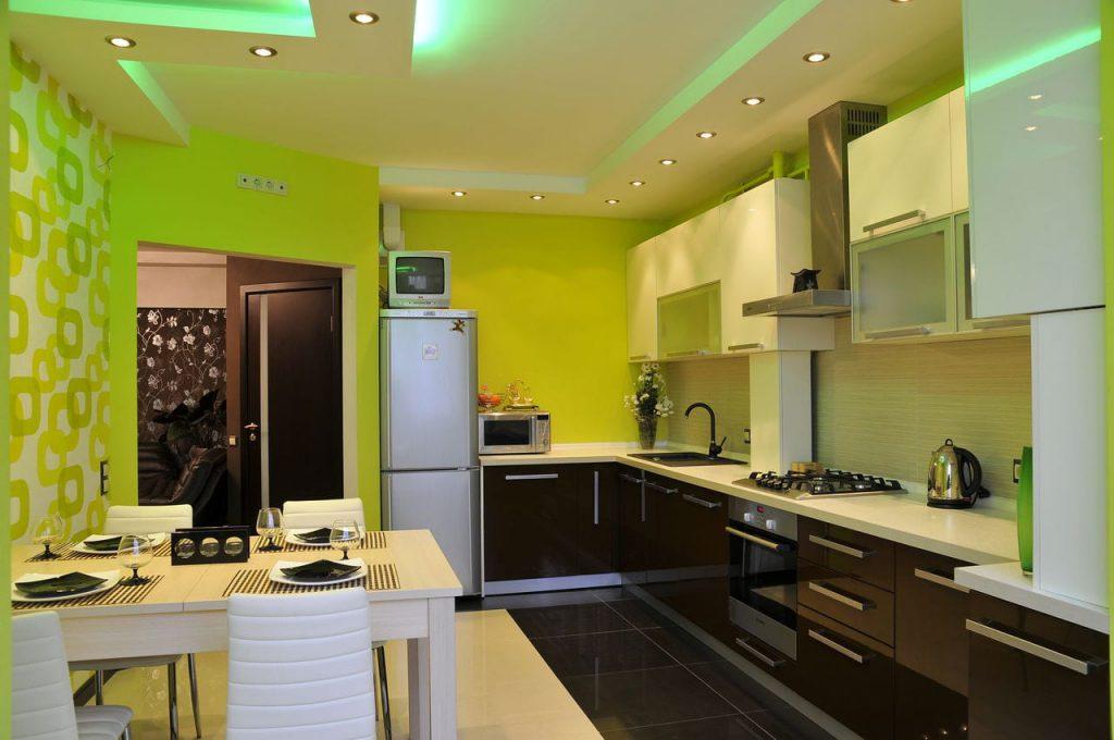 Чем лучше отделать потолок на кухне в квартире: советы профессионалов